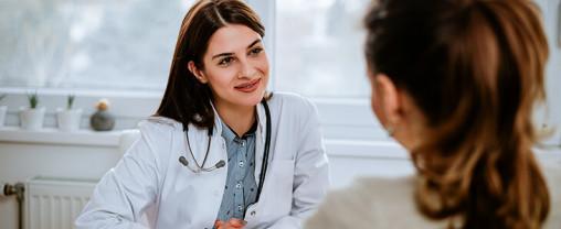 در چه زمینههایی باید به دکتر زنان مراجعه کنیم؟